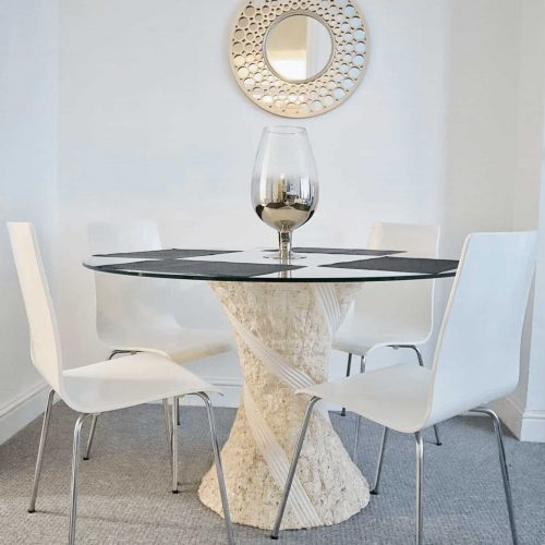 Designers Table Perfect to Carry out work in Serviced apartment